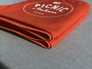 Picknickdecke falten? Ein Kinderspiel!